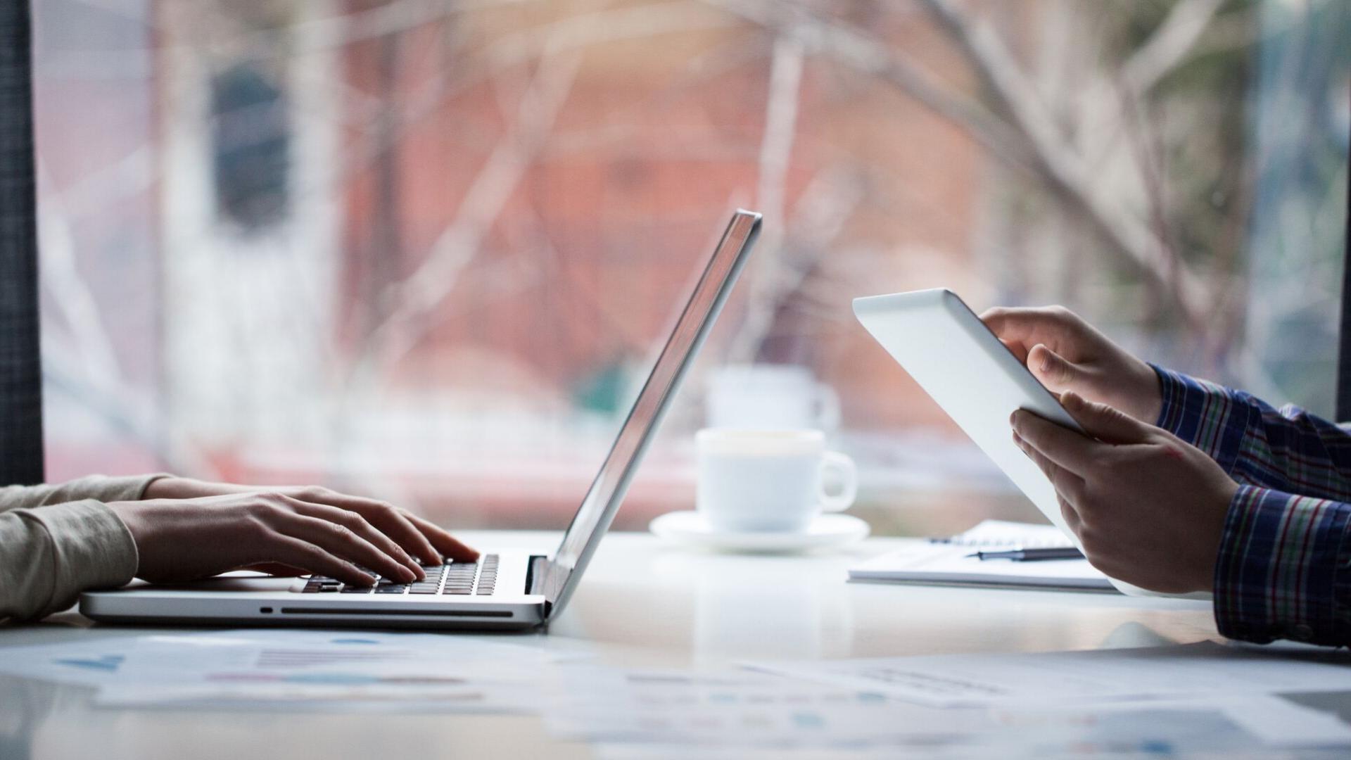 Blogolni, üzenet dekódolás   Cég & Brand