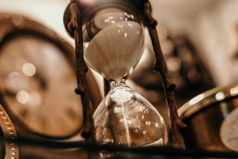 Idő valósága | Cég & Brand